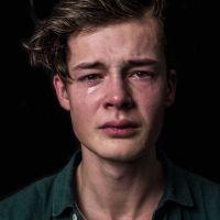 Ήμουν εγώ ο ωμός που ήθελα να κλάψω. | Με λένε Γιάννη