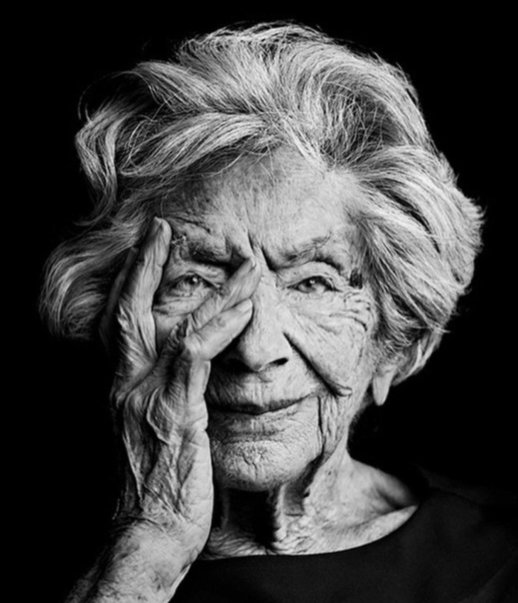 Για εσένα, γιαγιά.  @haveatea.gr