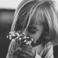 Τα παιδιά είναι για να τα αγαπάς.  @haveatea.gr